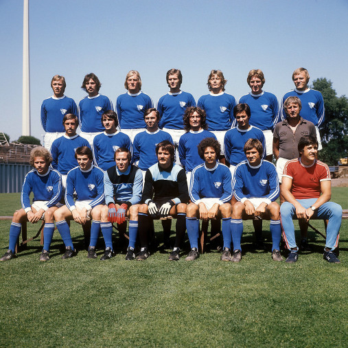 VfL Bochum Mannschaftsfoto 1976/77 - 11FREUNDE BILDERWELT