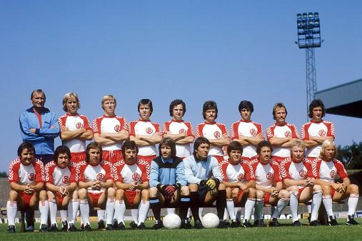 Rot-Weiss Essen Mannschaftsfoto 1975/76 - 11FREUNDE BILDERWELT