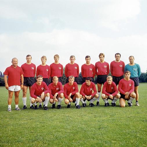 Mannschaftsfoto Hannover 96 1969/70 - 11FREUNDE BILDERWELT