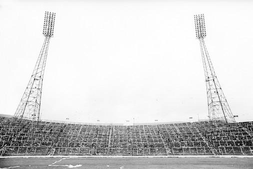 Leere Tribüne im Hampden Park - Fußball Foto Wandbild - 11FREUNDE SHOP