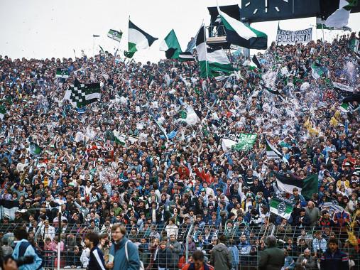 Mönchengladbach Fans 1984 - 11FREUNDE BILDERWELT
