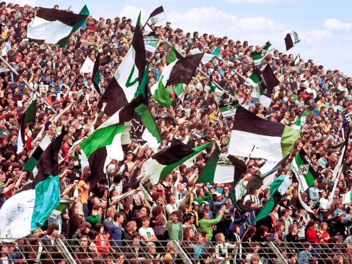 Gladbacher Fankurve 1976 - Wandbild Borussia Mönchengladbach Bökelberg