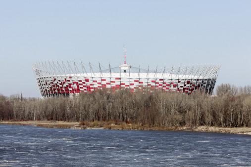 Vor dem Nationalstadion Warschau