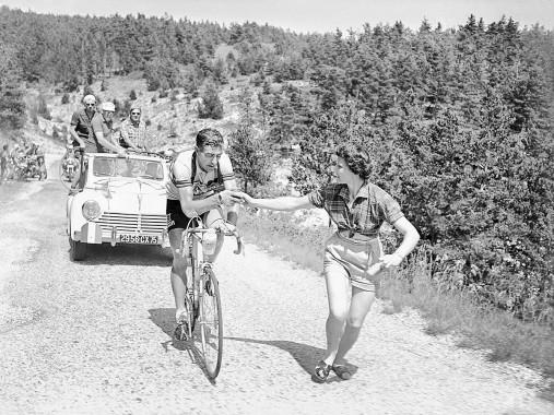 Apfel geben bei der Tour 1955