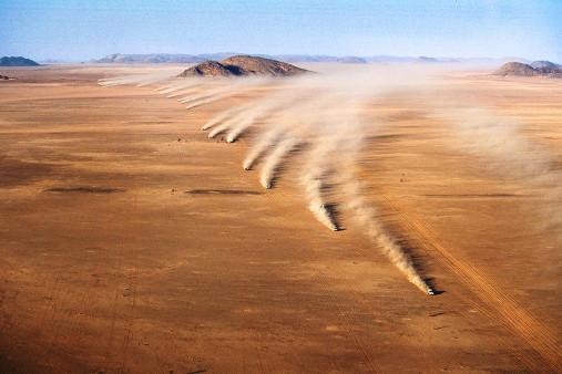 Autos im mauretanischen Sand