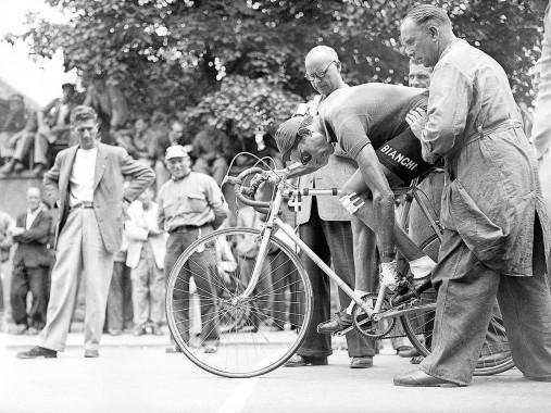 Festschnallen bei der Tour 1949
