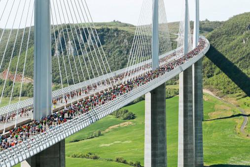 Marathon über die Brücke
