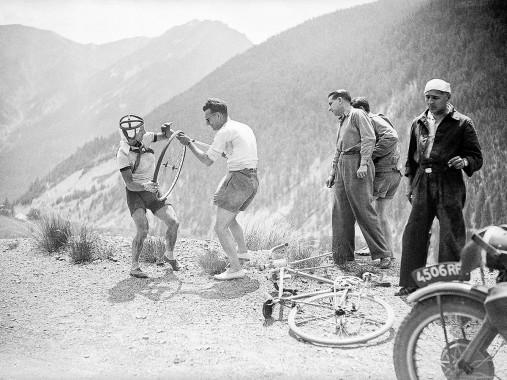 Reifenpanne bei der Tour 1947