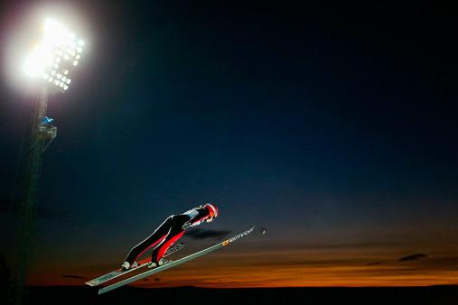 Skisprung in den Himmel von Lillehammer - Sport Fotografien als Wandbilder - Wintersport Foto - NoSports Magazin