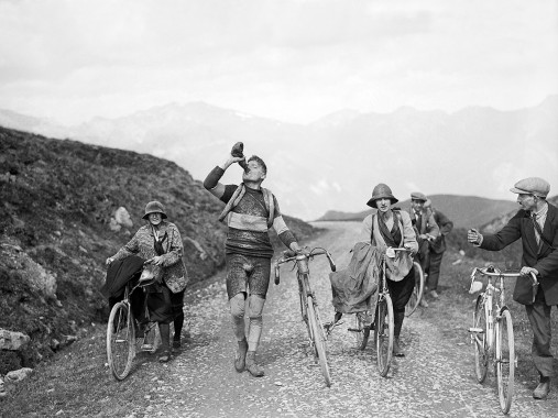 Trinkpause bei der Tour 1927