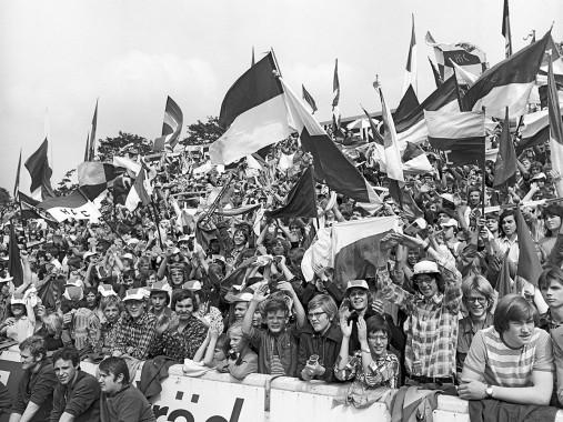 Halle Fans 1977 - Hallescher FC Chemie - 11FREUNDE BILDERWELT
