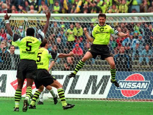 Zorc jubelt - Borussia Dortmund - 11FREUNDE BILDERWELT
