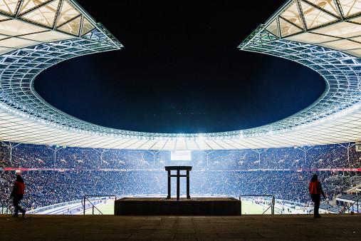 Licht an im Berliner Olympiastadion