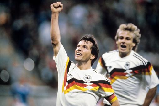WM 1990 Lothar Matthäus und Jürgen Klinsmann - 11FREUNDE BILDERWELT