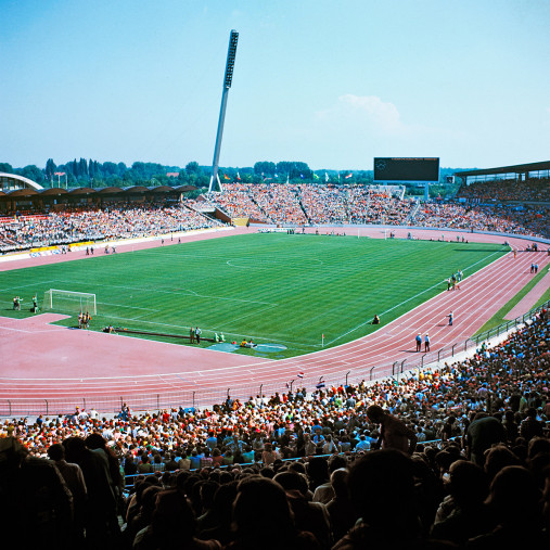 Niedersachsenstadion Hannover 1974 - Fußball Foto Wandbild - 11FREUNDE SHOP